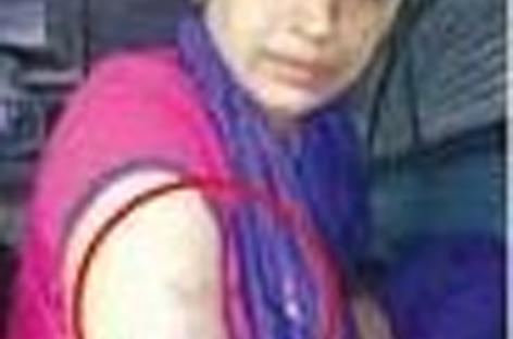 ലേഡീസ് കമ്പാര്ട്ട്മെന്റില് കയറി ബലാത്സംഗത്തിന് ശ്രമിച്ചയാളെ മല്പ്പിടുത്തത്തിലൂടെ കീഴടക്കി സംഗീത താരമായി