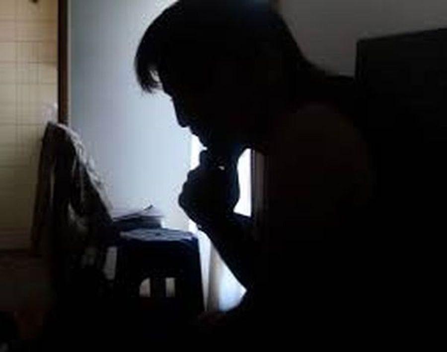 കാമുകിയുമൊത്തുള്ള സ്വകാര്യ ദൃശ്യങ്ങള് വാട്സ്ആപ്പില് കൂട്ടുകാര്ക്ക് അയച്ചു; പക്ഷെ കിട്ടിയത് ഭാര്യയ്ക്ക്; മലയാളി ടെക്കിക്ക് കിട്ടിയത് എട്ടിന്റെ പണി