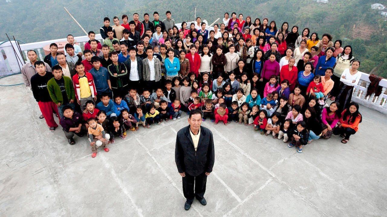 39 ഭാര്യമാർ ഉൾപ്പെടെ193 പേരുമായിലോകത്തിലെ ഏറ്റവും വലിയ കുടുംബം ഇന്ത്യയിൽ… എല്ലാവരും ഒരു വീട്ടിൽ തന്നെ… അത്ഭുതമായിസിയോണ എന്ന 72 കാരൻ