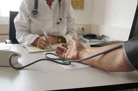 ജിപി, ഹോസ്പിറ്റല് സന്ദര്ശനങ്ങള്ക്ക് രോഗികളില് നിന്ന് പണമീടാക്കണം! എന്എച്ച്എസ് ഫണ്ടിന് ഇത് അത്യാവശ്യമാണെന്ന് ഡോക്ടര്മാര്