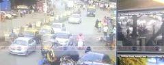 മുംബൈ നഗരത്തെ വിറപ്പിച്ച 19 കാരിയുടെ കാർ ഡ്രൈവിംഗ് !!! ട്രാഫിക് സിഗ്നലിൽ ബ്രേക്കിന് പകരം ചവിട്ടിയത് ആക്സിലേറ്റർ; വാഹനങ്ങളെയും റോഡരുകിൽ നിന്ന ആളുകളെയും ഇടിച്ചു തെറിപ്പിച്ചു, സിസിടിവി ദൃശ്യങ്ങൾ പുറത്ത്