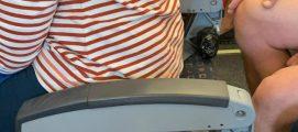ഈസി ജെറ്റ് വിമാനത്തിൽ ബാക്ക് ലെസ്സ് സീറ്റുകൾ : യാത്രക്കാരന്റെ പോസ്റ്റ് വൈറലായി