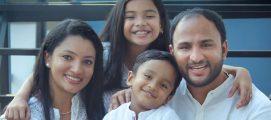 സുപ്രസിദ്ധ ടി.വി പ്രഭാഷകനും അസംബ്ലീസ് ഓഫ് ഗോഡ് മുൻ പാസ്റ്ററുമായ സജിത്ത് ജോസഫും കുടുംബവും കത്തോലിക്കാസഭയിലേക്ക്