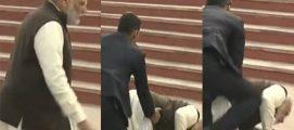 ഗംഗാഘട്ടിലെ പടികളില് കാലിടറി വീണ് പ്രധാനമന്ത്രി നരേന്ദ്ര മോഡി