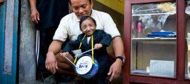 ഗിന്നസ് റെക്കോർഡ് നേടിയ ലോകത്തിലെ ഏറ്റവും ചെറിയ മനുഷ്യൻ വിടവാങ്ങി; നിറഞ്ഞ ചിരിയോടെ സ്വീകരിക്കുന്ന മഗറിന്റെ മരണം 27 വയസിൽ