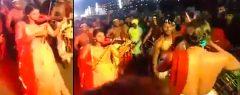 ചെണ്ടമേളത്തിനൊപ്പം വയലിന് സംഗീതത്തിന്റെ മാസ്മരികതയുമായിയുവതി… 'രാമായണക്കാറ്റേ…' എന്ന സൂപ്പര്ഹിറ്റ് ഗാനത്തിന്റെ അടിപൊളി ഫ്യൂഷന് വീഡിയോ…