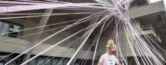 ബ്രിട്ടനിൽ കൊറോണയും ലോക്ക്ഡൗൺ നിയന്ത്രണങ്ങൾ മൂലവും തിയേറ്റർ വ്യവസായം തകരുന്നു. നാഷണൽ തിയേറ്റർ 400 ജീവനക്കാരെ പിരിച്ചുവിടുന്നു.