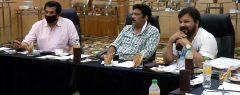 പ്രതിഫലം കുറയ്ക്കാം….സിനിമാനിർമാതാക്കളുടെ ആവശ്യത്തോട് അനുകൂലമായി പ്രതികരിച്ച്  താരസംഘടന; അംഗങ്ങള്ക്ക് കത്തയക്കാന് 'അമ്മ'…