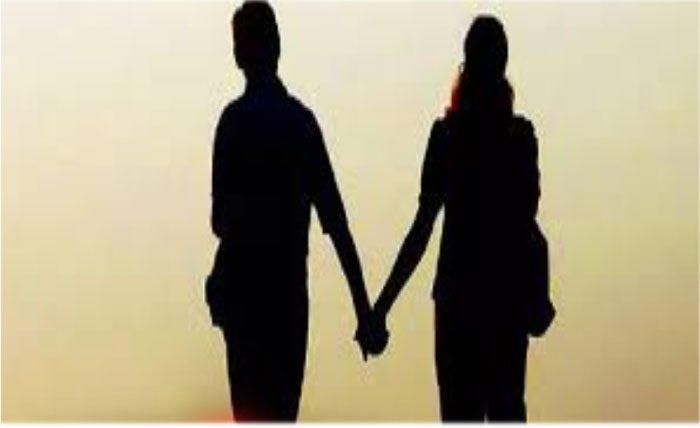 പതിനൊന്നുവര്ഷം കൂടെ കഴിഞ്ഞ ഭര്ത്താവിനെയും കരഞ്ഞു വിളിച്ച മകനെയും ഉപേക്ഷിച്ച് ഫേസ്ബുക്ക് കാമുകനൊപ്പം പോയി യുവതി