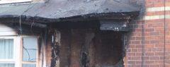 യുകെയിലെ ഹള്ളിലുള്ള ഡെൽഹി സ്ട്രീറ്റിൽ മലയാളികൾ ഉൾപ്പെടെ താമസിച്ചിരുന്ന വീടിന് തീ പിടിച്ചു; വെളുപ്പിന് ഉണ്ടായ അപകടത്തിൽ നാല് പേർ ചികിത്സയിൽ…