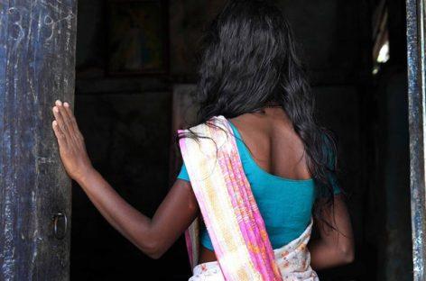 ലൈംഗിക തൊഴിലാളിയായ യുവതിയെ അതിക്രൂരമായ ബലാത്സംഗം ചെയ്ത ശേഷം കഴുത്തറുത്ത് കൊന്നു; മൃതദേഹം ഓവുചാലില് തള്ളി നിലയിൽ